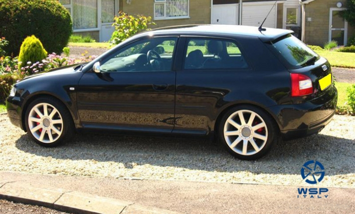 Audi A3 WSP Italy RS4 PAESTUM (Silver)